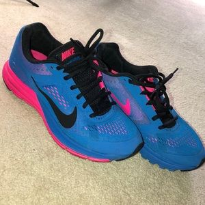 Women's Nike Zoom Sneakers 6 Great Condition